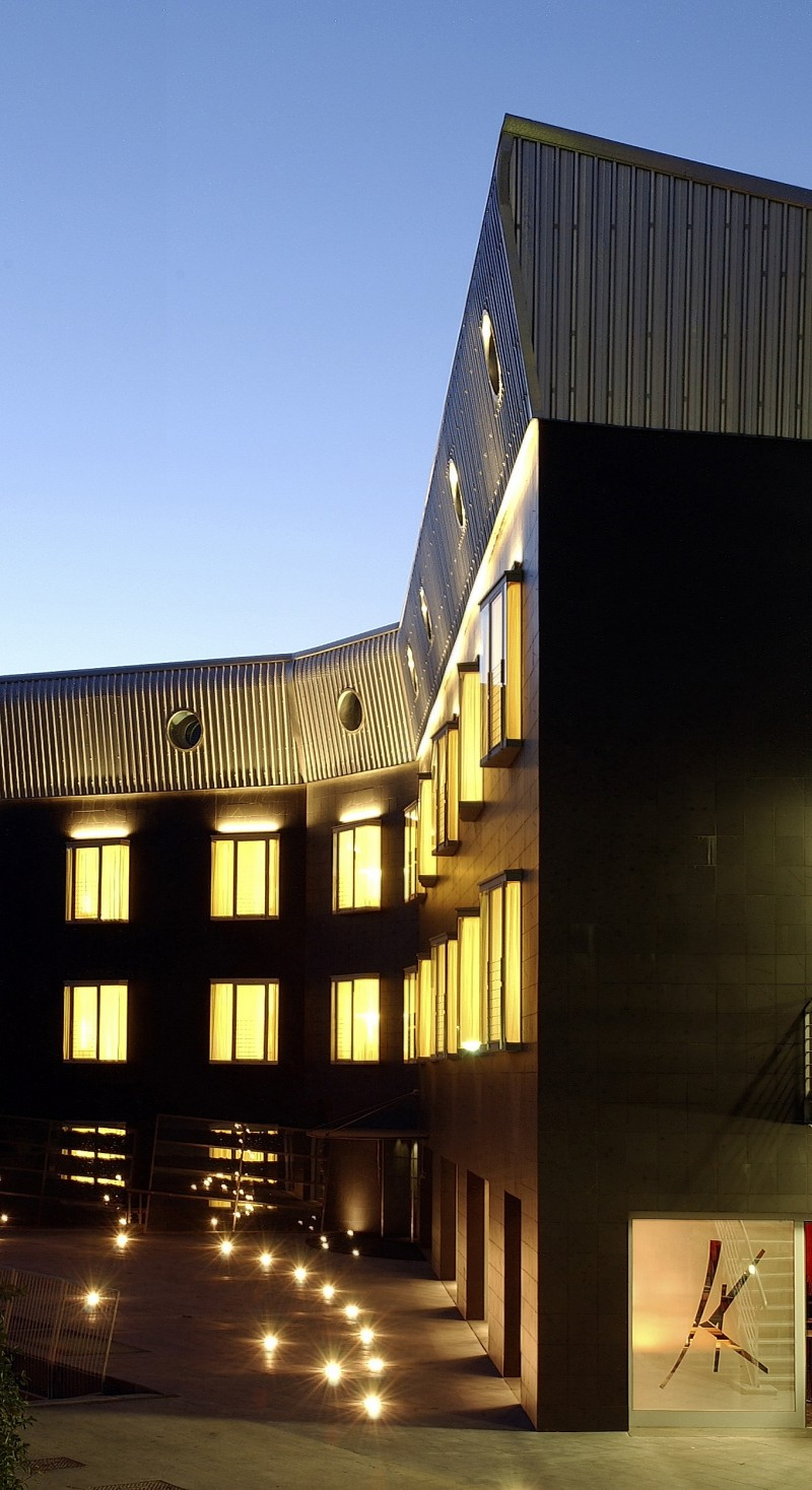 Black hotel aule formazione sale meeting sale congressi for Uffici temporanei roma prezzi