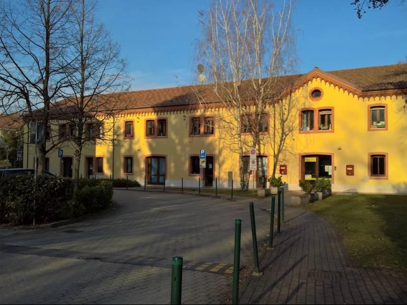 Copernico Centro Studi si trova nel Comune di Carbonera, in un gradevole contesto naturalistico e all'interno della struttura un tempo sede di un antico zoccolificio, oggi pregevole costruzione protetta dalle Belle Arti.  La zona è raggiungibile con
