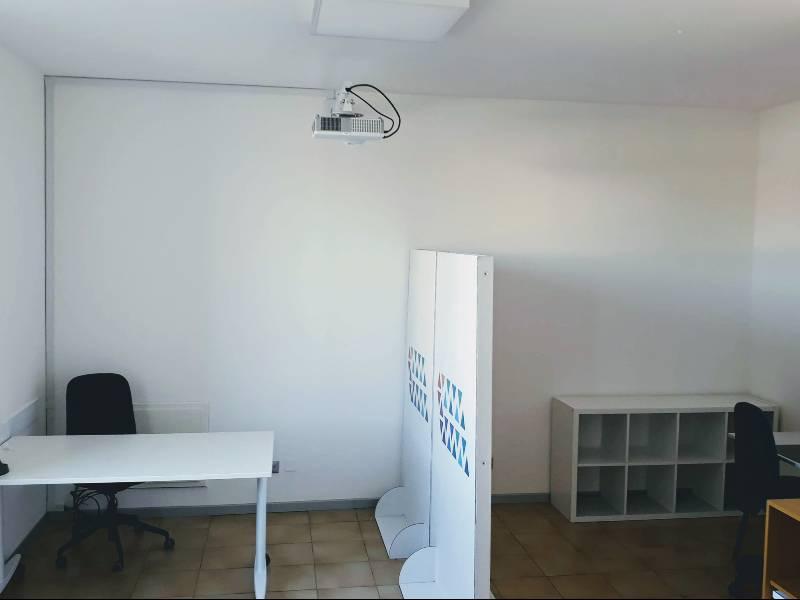 Darsena Multi Spazio - postazioni lavorative distanziate in sala open space