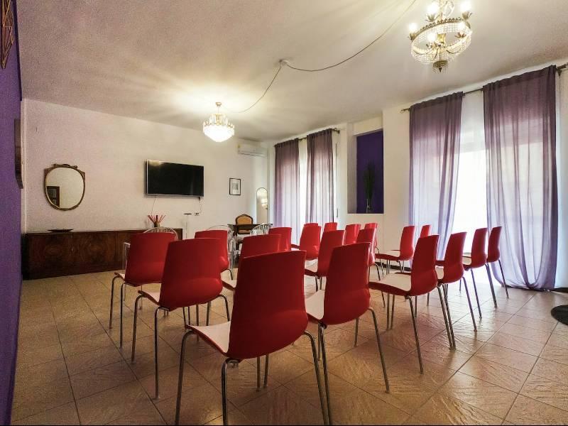 Open space eventi, aula formazione, sala meeting e presentazione libri