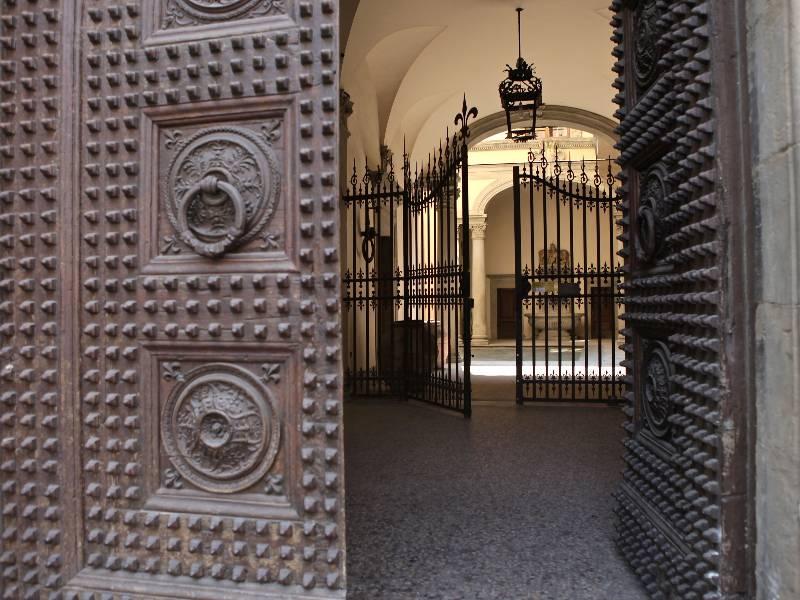 Palazzo Guadagni in Piazza Santo Spirito