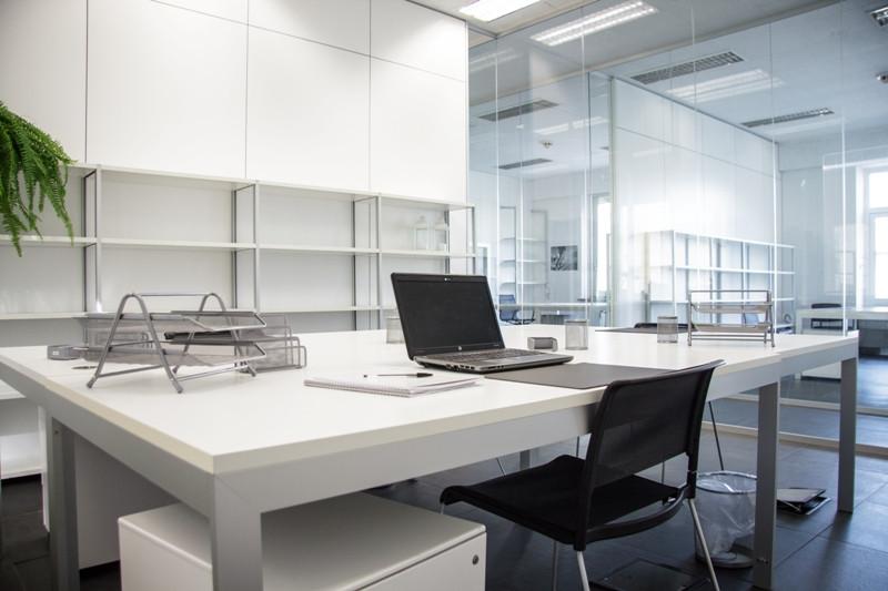Coworkingcomo uffici temporanei a como for Ufficio temporaneo