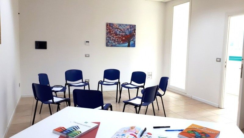 Blablaroom aule formazione sale meeting sale congressi for Uffici temporanei