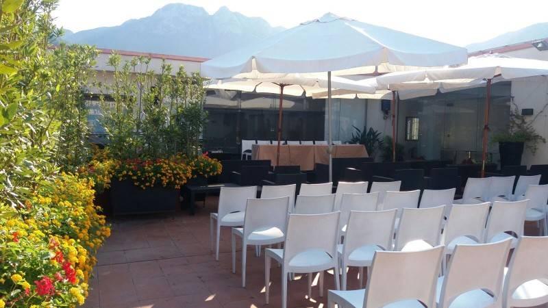 La Terrazza Marte, di 250mq è situata all'ultimo piano. E' una terrazza panoramica ove si organizzano feste, cerimonie ma anche rassegne musicali o anche incontri di lavoro informali.