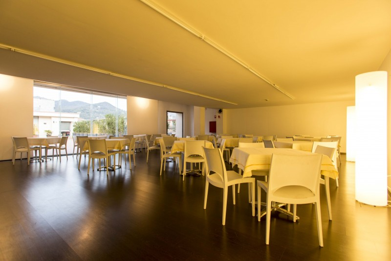 La sala contemporanea, è perfetta per ospitare feste o anche pranzi e cene di lavoro. Può ospitare fino a 80 persone a sedere. Il Marte per i propri eventi, si affida ai catering più ricercati ed innovativi della zona.