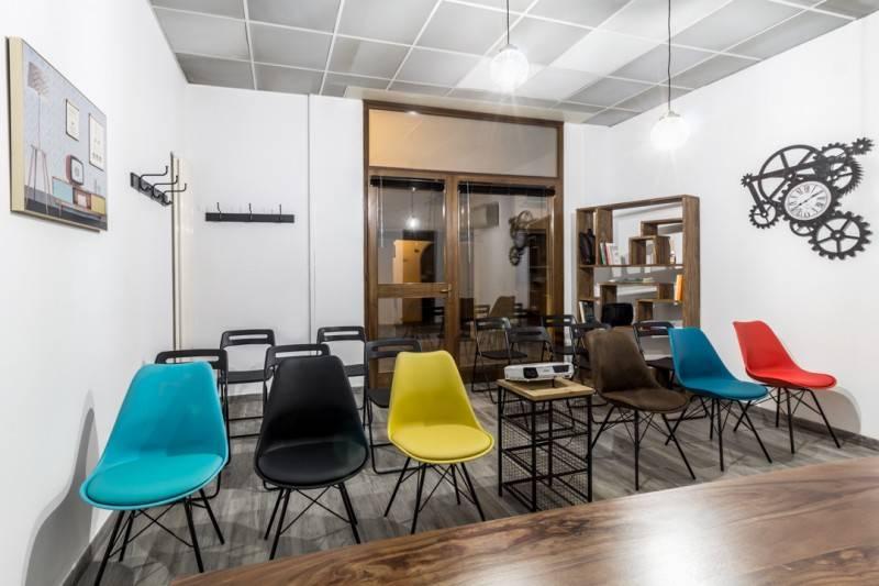 Il tuo ufficio aule formazione sale meeting sale for Uffici temporanei